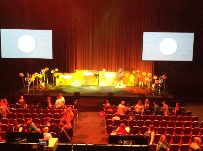 the stage - so pretty!
